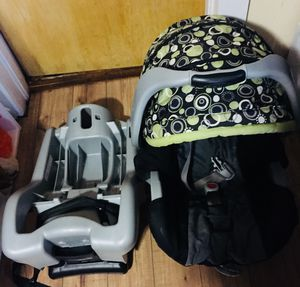 Graco Car Seat and Base for Sale in Champlain, NY