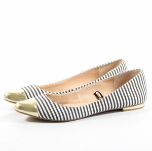 Banana Republic Womens Pointed Striped Flats Size 8.5 Slip On Shoes for Sale in Marysville, WA