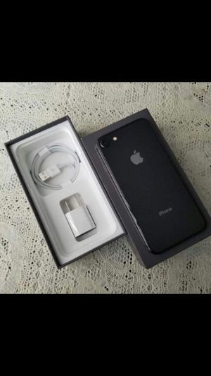 iPhone 8,,Factory Unlocked Excellent condition for Sale in Fort Belvoir, VA
