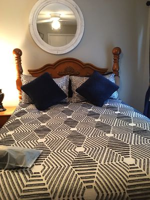 Queen bedroom set ( mattress and box spring not included ) for Sale in Rock Hill, SC