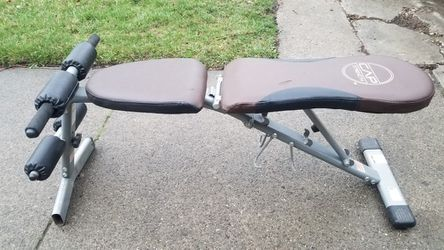 4 POSITIONS ADJUSTABLE BENCH for Sale in Chicago, IL