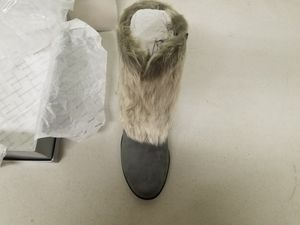 Avenue Fur BOOTS with Heels for Sale in Lynwood, CA