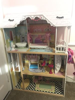 Doll House lol or Barbie for Sale in Central Falls, RI