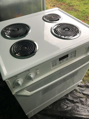 GE Stove and Whirlpool Dishwasher for Sale in Buckley, WA