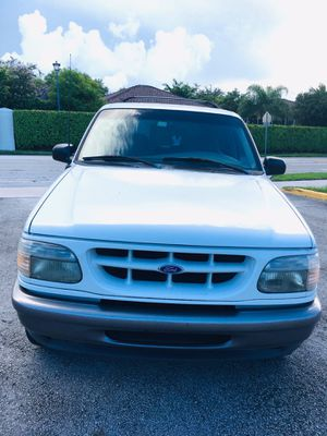 (( FORD EXPLORER )) for Sale in Hialeah, FL