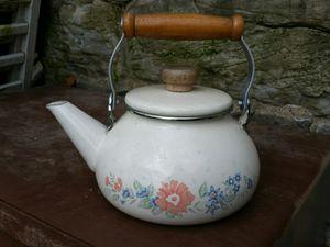 CorningWare coordinates Symphony pattern tea kettle for Sale in Stewartsville, NJ