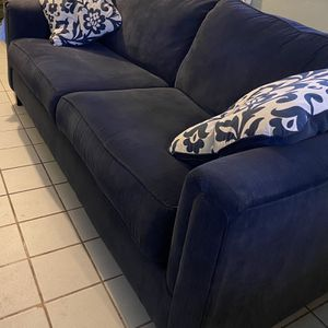 Couch and Love Seat Set for Sale in Los Angeles, CA