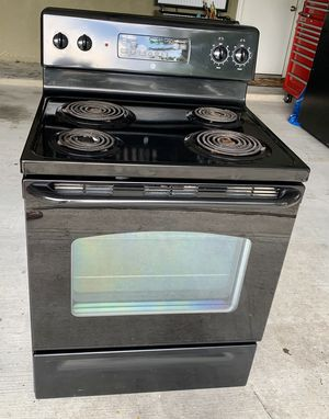 Stove and microwave set for Sale in Taylor, TX