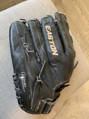 Easton black leather glove for Sale in Murrieta, CA