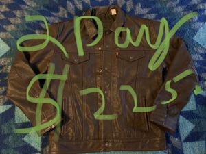 Levi's leather trucker jacket large brown for Sale in Seattle, WA