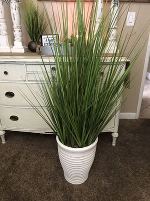 •MOVING• large artificial floor plant decor for Sale in Turlock, CA