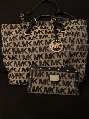 Michael Kors Tote Bag with Wallet for Sale in Las Vegas, NV
