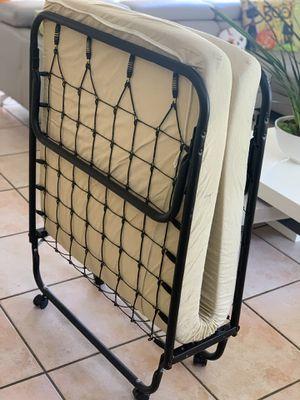 Pinpanpun o Camape (folding bed) for Sale in Hialeah, FL