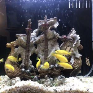 8 Gallon Aqua Japan Fish Tank And Electric Yellow Fish for Sale in Loma Linda, CA