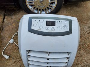 Portable ac 1000btu for Sale in Humble, TX