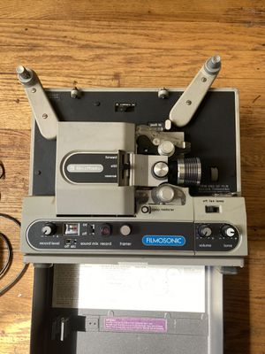 Bell and Howell Filmosonic 1744B vintage Super8mm movie projector for Sale in Park Ridge, IL