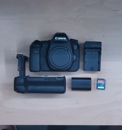 CANON EOS 6D BODY + EXTRAS for Sale in Silver Spring,  MD