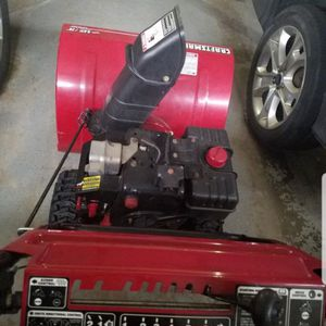 "Craftsman 28"" 9.0 HP Snowblower in perfect Condition for Sale in Waterbury, CT"