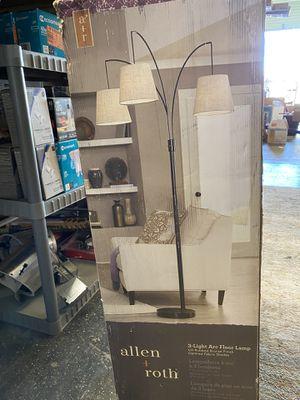 allen + roth 80-in Bronze Multi-head Floor Lamp for Sale in Fresno, CA