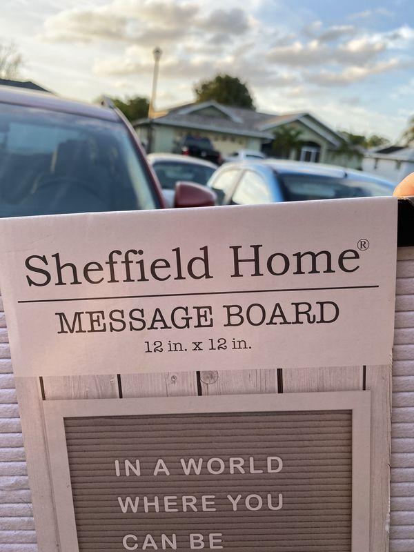 Small message board