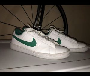 Nike shoes white/green for Sale in Fresno, CA