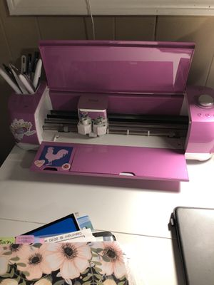 "Cricut Explore Air 2 Fuchsia Bundle/Cricut Easypress 2, Rose - 12"" x 10"" for Sale in Brookneal, VA"