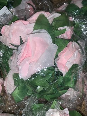 Artificial flowers 8 piece set Brand New for Sale in East Stroudsburg, PA