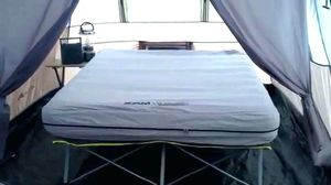 Coleman Raised Cot Queen Air Mattress Camping Colchón de Aire for Sale in Hialeah, FL