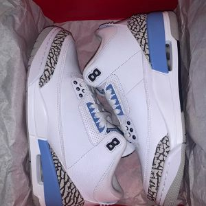 Air Jordan 3 Retro UNC 2020 for Sale in Stonecrest, GA