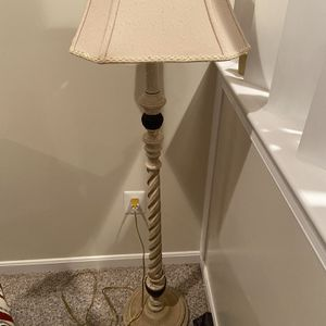 Vintage Floor Lamp for Sale in Upper Marlboro, MD