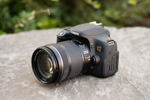 CANON. EOS Rebel T6i. for Sale in Adelphi, MD