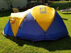 Expedition Stretch Dome 3 for Sale in Issaquah, WA