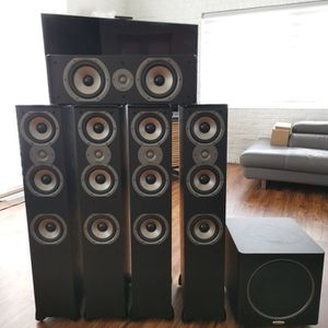 Polk Audio 5.1 Speaker Set With Powered Subwoofer for Sale in San Diego, CA
