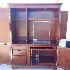 Large hutch for computer or tv for Sale in Pueblo West, CO