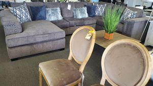 Sofa and loveseat for Sale in Hawaiian Gardens, CA