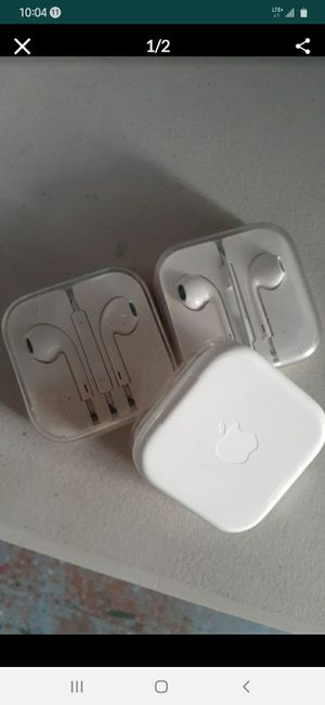 Apple earpods with 3.5mm headphone plug for Sale in Long Beach, CA