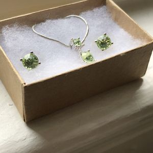 Matching Earring And Necklace Set for Sale in Washington, DC