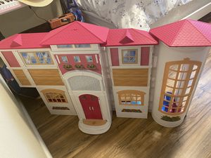 Girls Doll House. for Sale in Azusa, CA