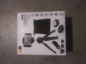 Phone photography kit for Sale in Des Moines, IA