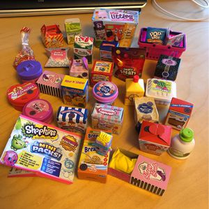 Shopkins Mini Packs Lot Real Littles 27 Packs for Sale in Millbrae, CA