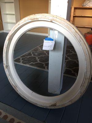 NICE ROUND WINDOW for Sale in Auburn, WA