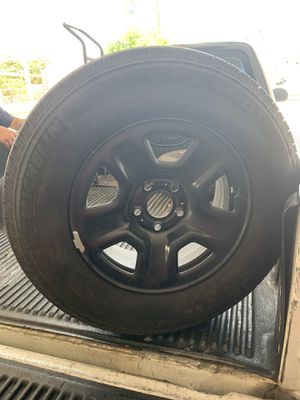 2018 Jeep Wrangler OEM wheels set of 5 for Sale in Miami, FL