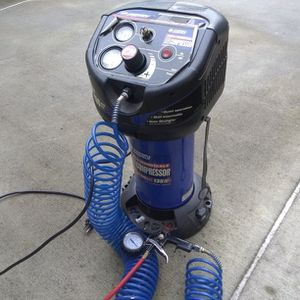 Wall Mountable Compressor 2 Gallon for Sale in Woodinville, WA