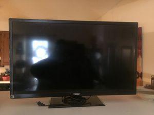 (BROKEN) 19 inch Flat screen Haier TV for Sale in Clarksville, TN