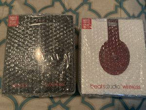 Brand new still with bubble wrap BEATS STUDIO WIRELESS for Sale in NEW PRT RCHY, FL