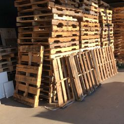 Have 250 Pallets,2.50 for Sale in Indianapolis,  IN