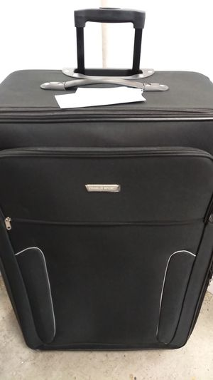 CHARLIE SPORT BLACK LUGGAGE $35.00 BRAND NEW 2 WHEELS LIGHT WEIGHT EXPANDER SYSTEM for Sale in HALNDLE BCH, FL