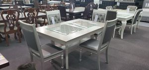 -Dining Tabke Set- Grey Glam table with 4 grey tufted chairs for Sale in Moreno Valley, CA