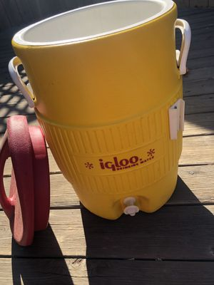Igloo drinking water cooler (5g) for Sale in Stockton, CA