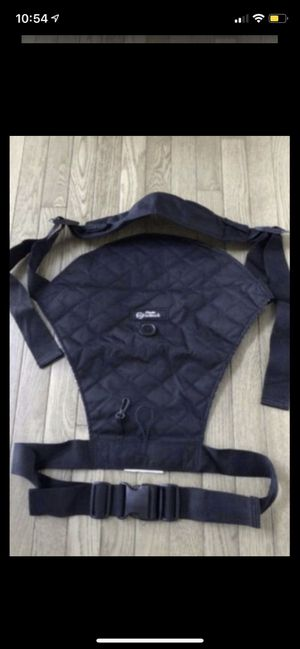 Baby hip carrier new smoke and pet free for Sale in Taunton, MA